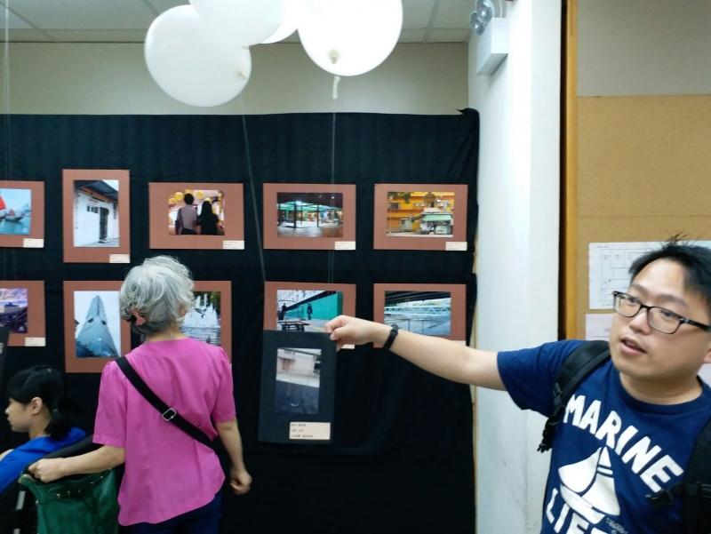 香港傷健協會港島傷健中心相片展覽 – 相片是由多媒體小隊拍攝,每張都有一個主題。