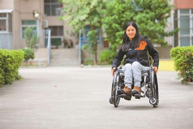 文藝片《七十七天》原型 湖北姑娘坐輪椅看遍世界