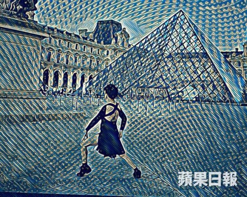 中風後,關玲玲帶着相機和三腳架全世界自拍,再用軟件創作具藝術感的作品,如今作品正在展出