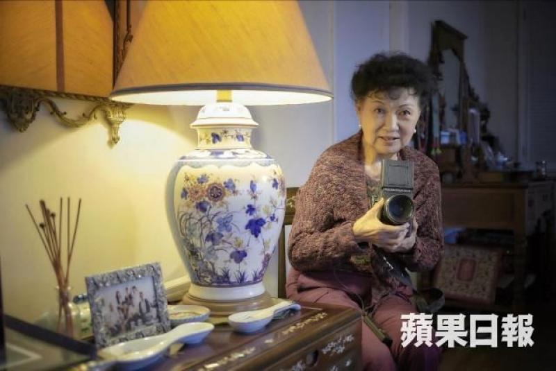 這部相機是她的命根,過去曾替她拍攝無數名人美景