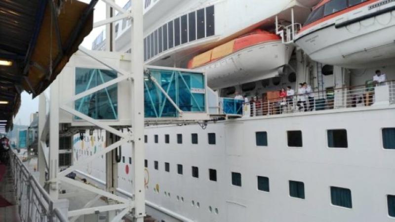 基港公司增置1具旅客橋,方便郵輪旅客進出