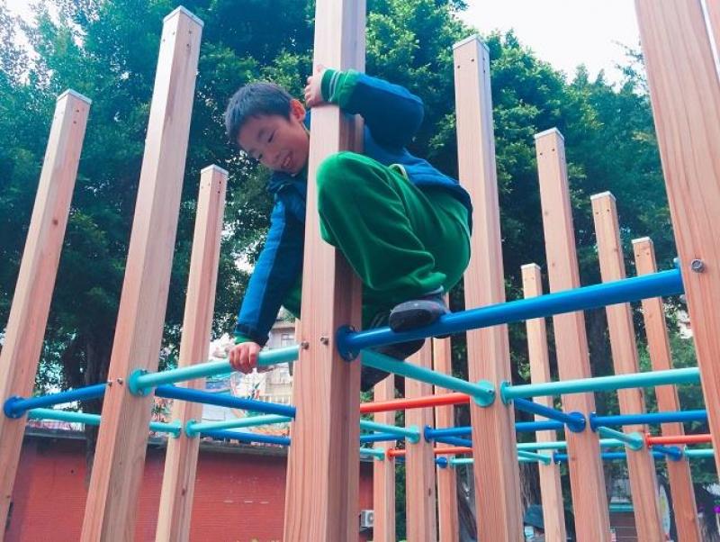 鄰里樹德公園 手工織網人人搶著玩