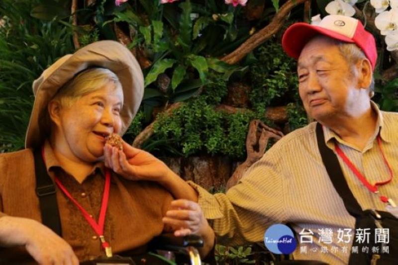 怡仁愛心基金會近三年來積極推動無障礙圓夢旅遊計畫,希望能鼓勵更多行動不便的長輩走出戶外。