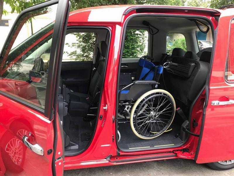 新的士後座可放輪椅。