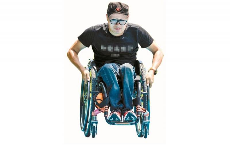 輪椅闖天涯