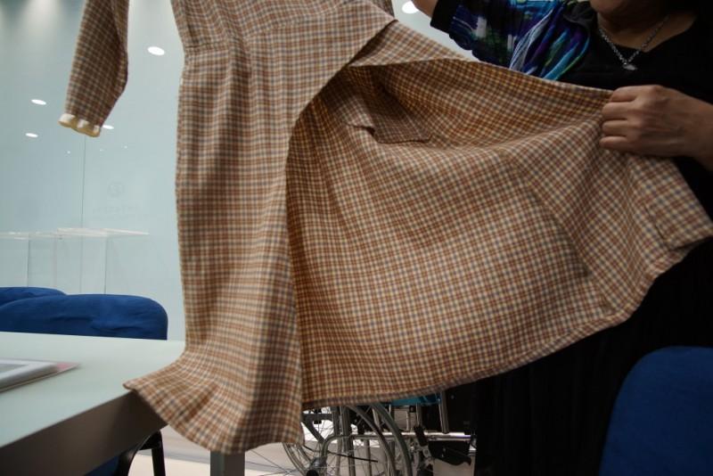 前長後短的裙,Frency說是為了讓輪椅人士不會覺得不舒服