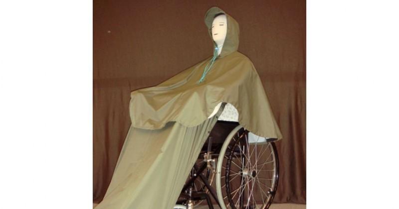 其中一款輪椅雨衣的樣本。