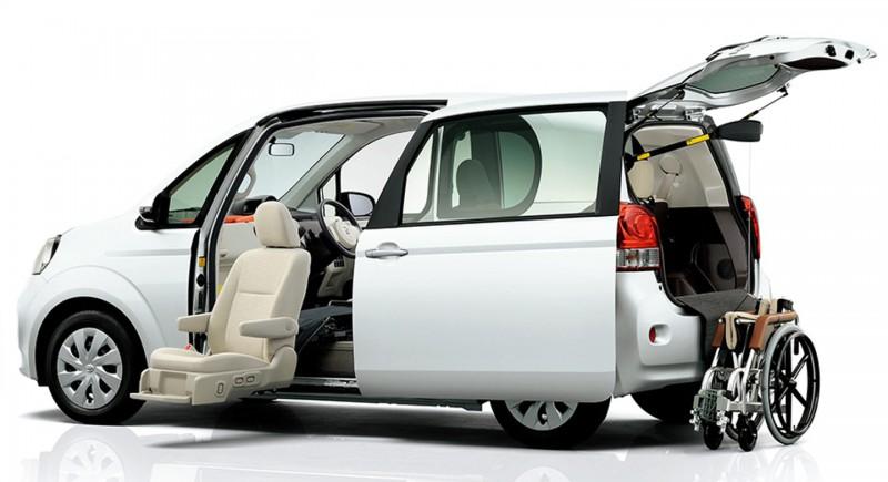 日本豐田出產的福祉車,外型跟普通車無兩樣,但內部設計都是專為行動不便人士度身設計