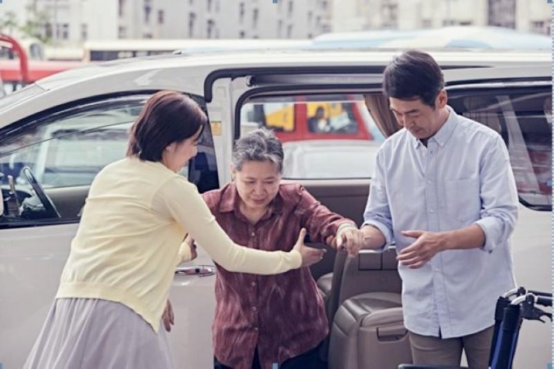 「Uber 與你同步」社區計劃 顧問團成員