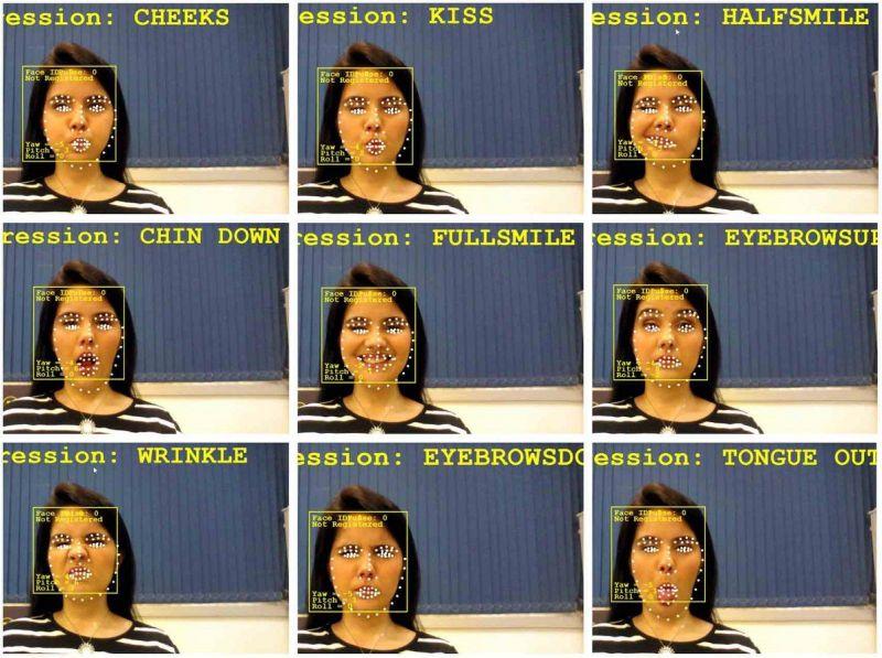 將嘟嘴、微笑、吐舌頭表情與停止、轉彎等 10 項輪椅功能搭配