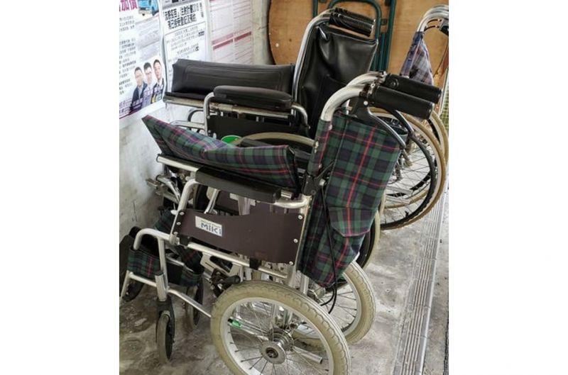 完好的輪椅會放在議員辦事處門外,供街坊自助借用