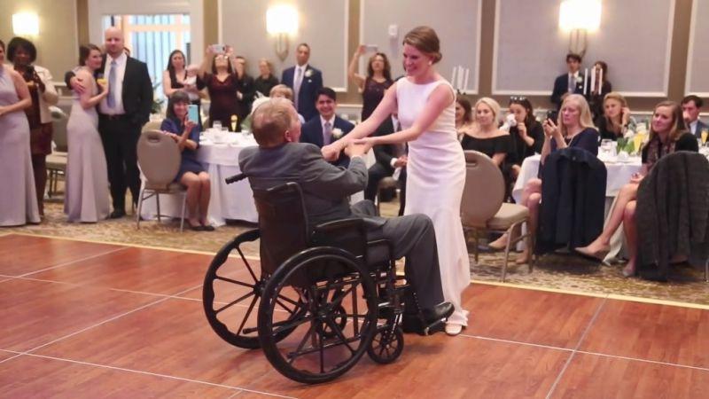 「我們約好一起跳舞」 美新娘牽腦癌父手 與輪椅起舞感動網民
