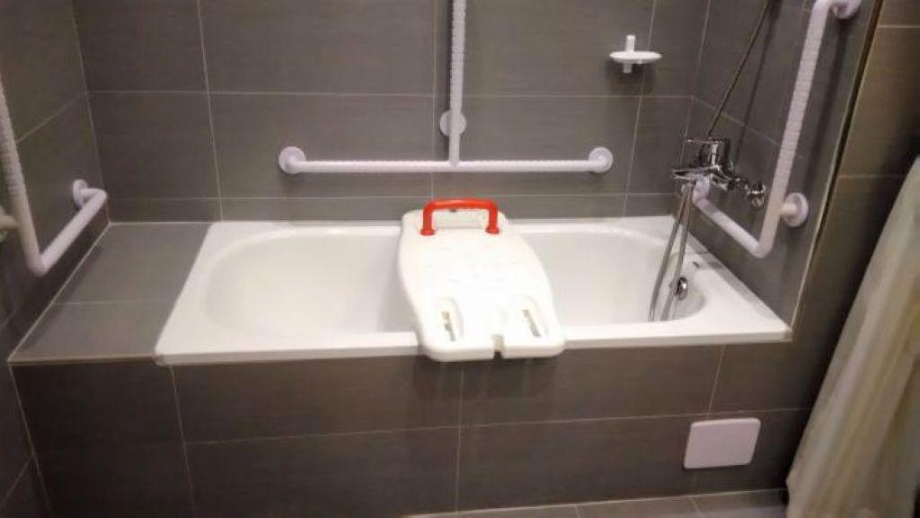 浴缸加板子,仍有安全之虞