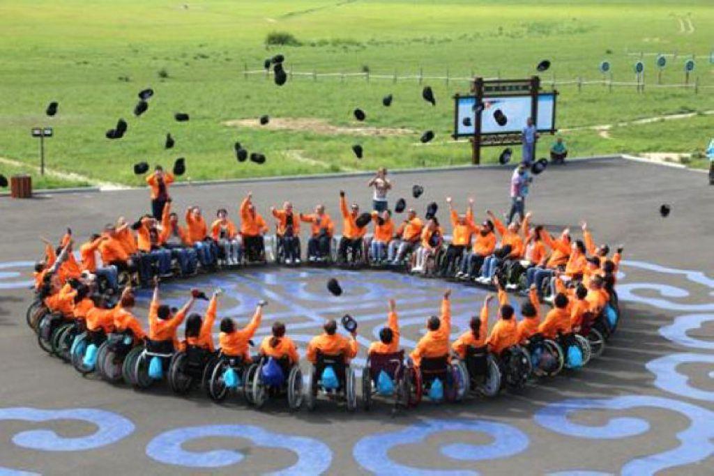 """一把轉不動的輪椅揭開殘障人士""""刷街""""難題"""