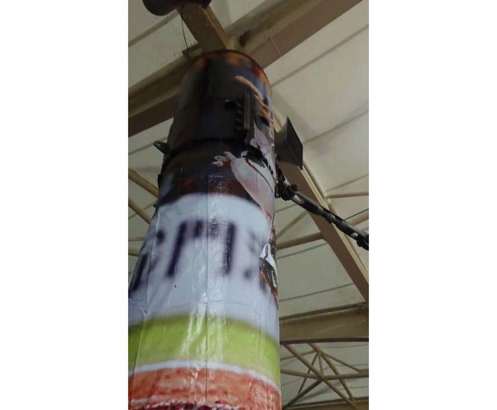 中華職棒昨在花蓮棒球場開打,球迷發現頂棚漏水