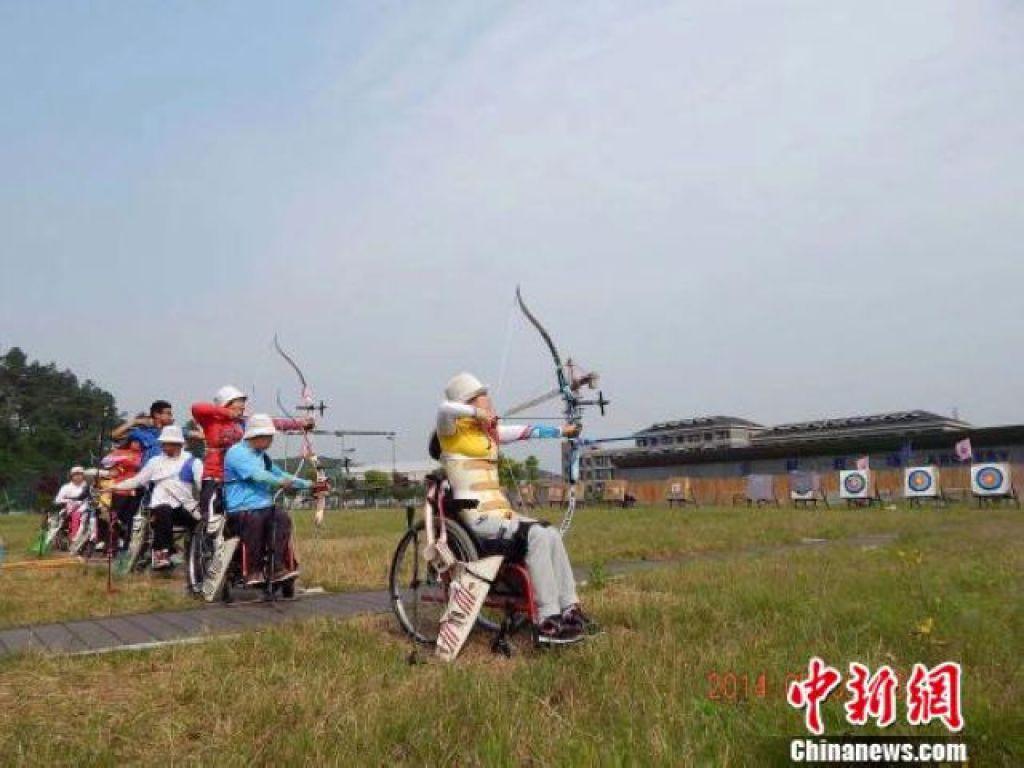 樊蓉參加競技體育