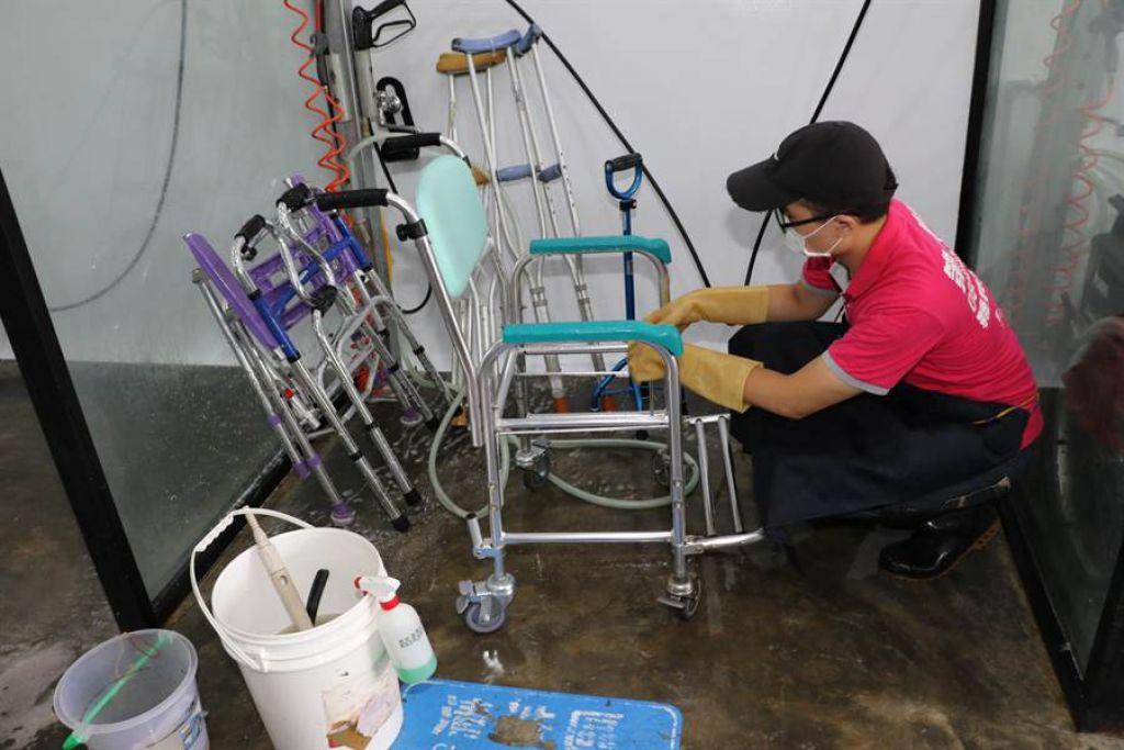 回收的二手輔具皆使用次氯酸水進行徹底清洗