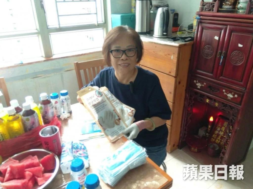 患肺癌的阿秋表示自己抵抗力較低,所以使用抗菌手套很合適。