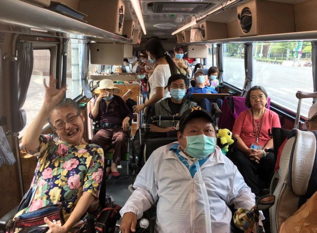 北市府補助身障長者、失智長者無障礙免費參加無障礙遊程,限額360人次,補助至11月30日,額滿為止。