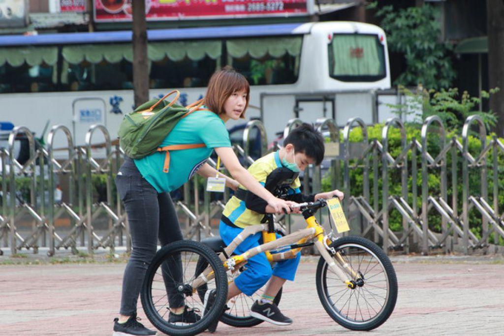 特教生體驗新北市輪椅夢公園 享受數十種運動樂趣