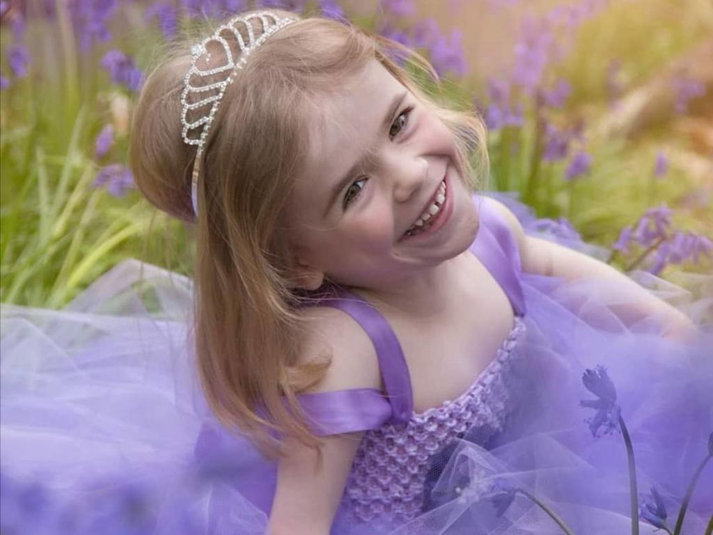 【愛心病童】6歲罕見病女孩克服腿部肌肉萎縮 化身「神奇女俠」挑戰長征300公里籌款