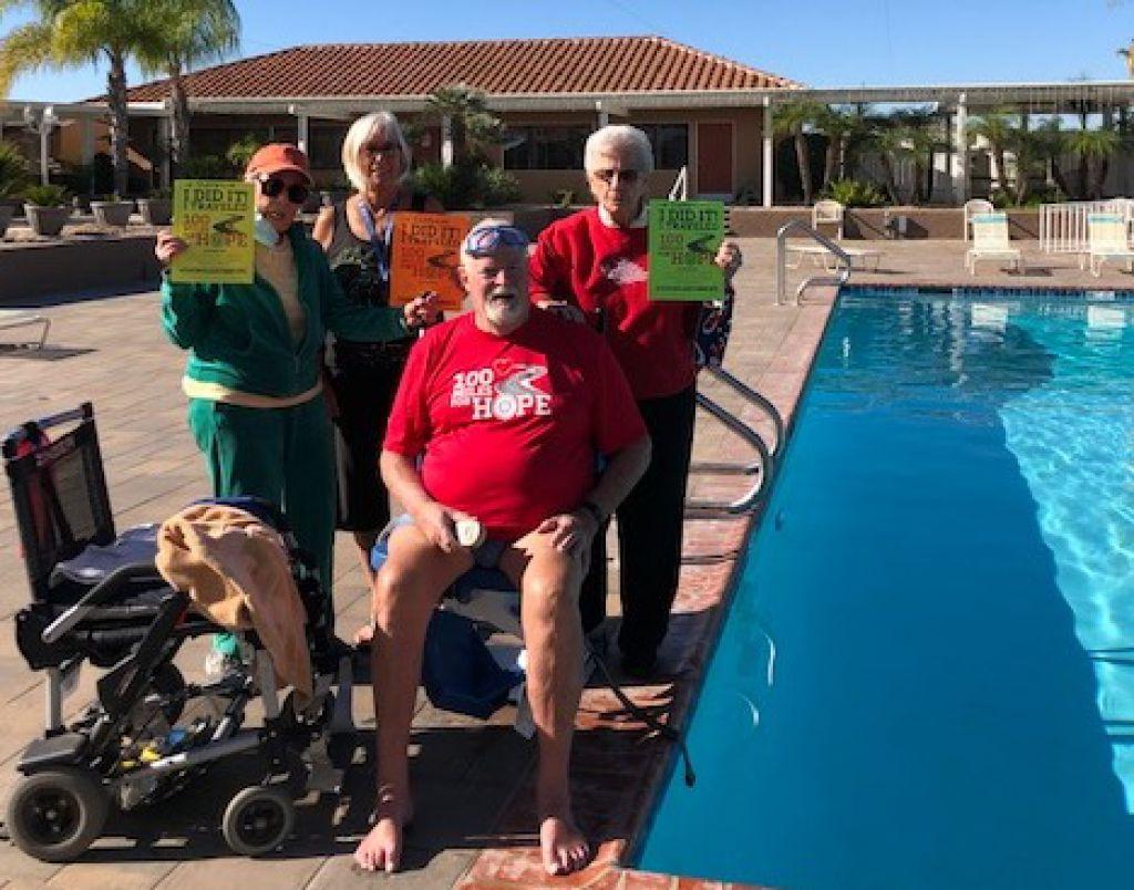 為退役軍人募款美國老兵游泳100英里
