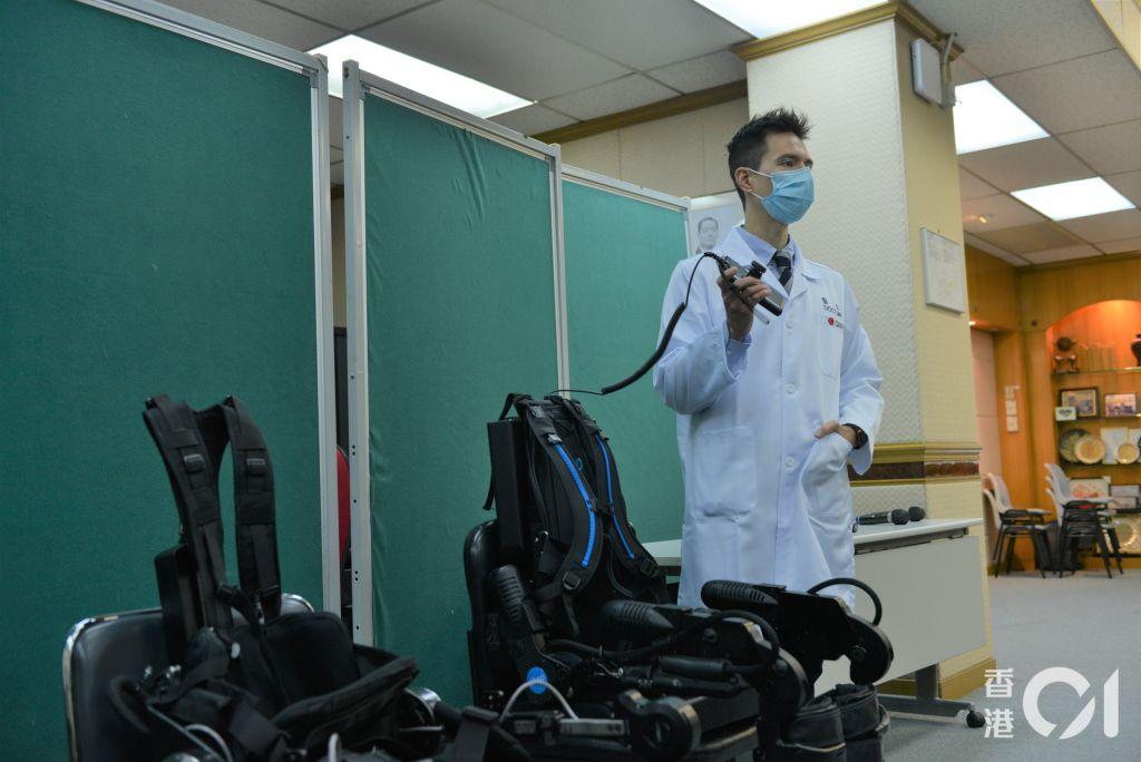 高日藍稱,機械腳令患者盡快開展復康療程。(麥理浩復康院提供)