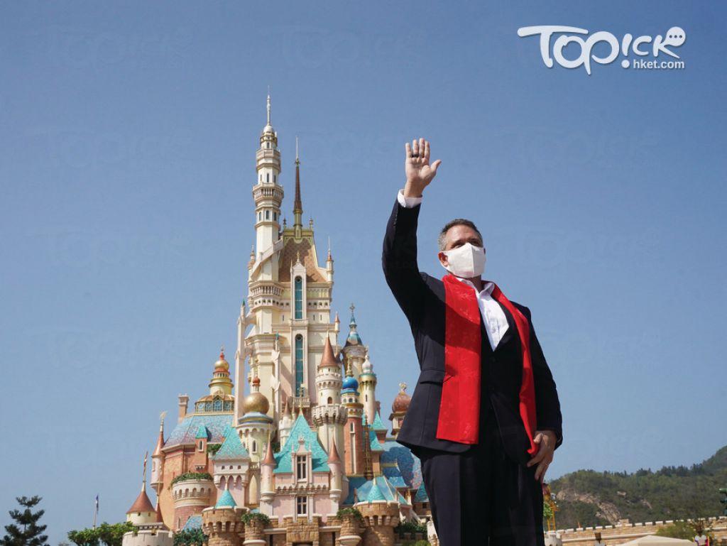 上任逾4個月的香港迪士尼樂園行政總裁莫偉庭期望,樂園可保持開放。