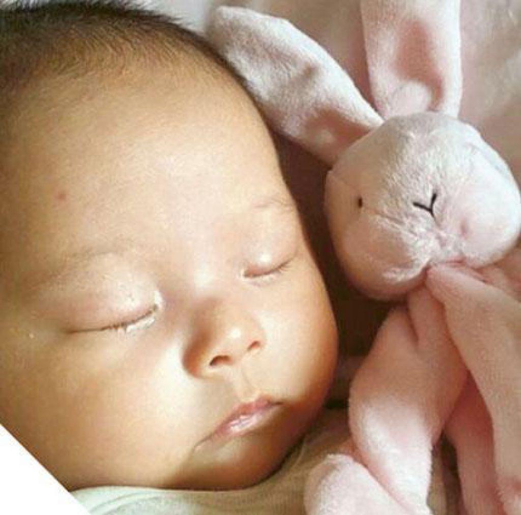 初生的Haley和一般嬰孩無異,誰知她會經歷一段不平凡的人生。