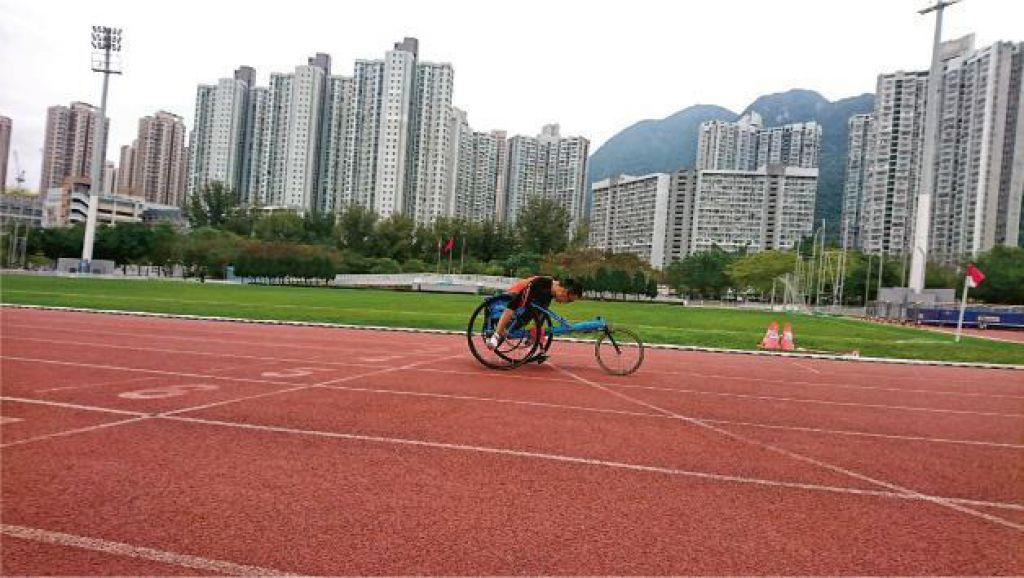 未來城市:配套諗多步 鼓勵傷殘者 「軟硬」兼施 普及無障礙運動路