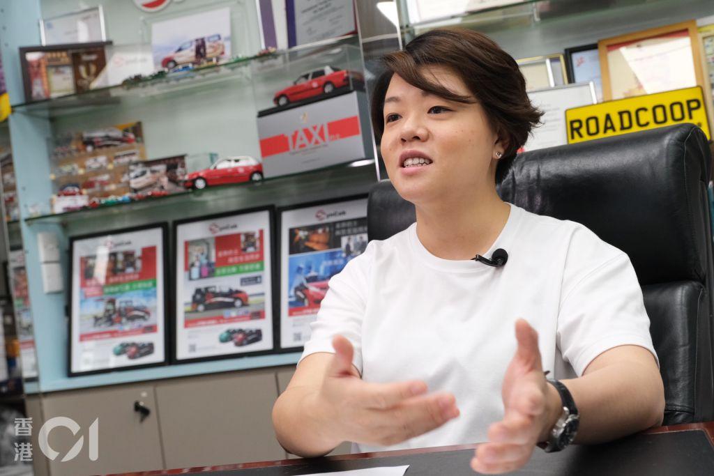 忠誠車行執行董事鄭敏怡表示,已購入兩款日產SERENA E POWER車款試作輪椅的士,期望政府可以「開綠燈」。