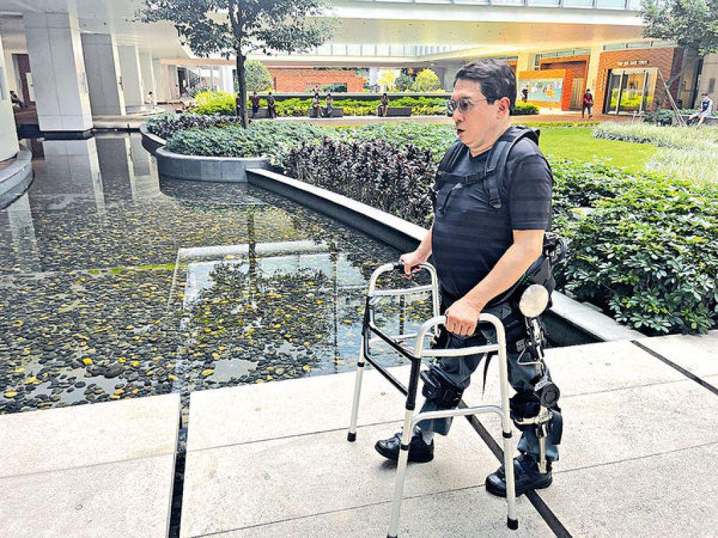 復康機械腳助脊癱者站起來 港大辦接力賽 盼籌百萬增購