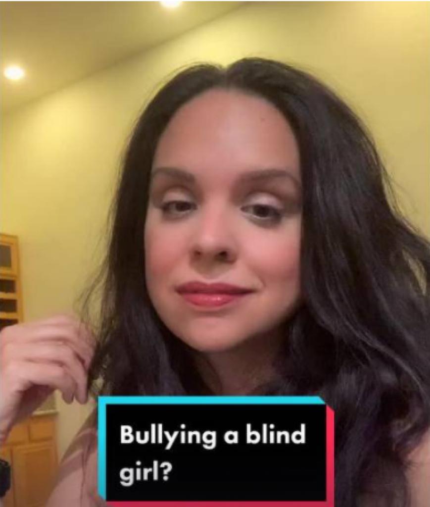 41歲女子奧利維亞(OliviaDurant),因自小失明包受欺凌。