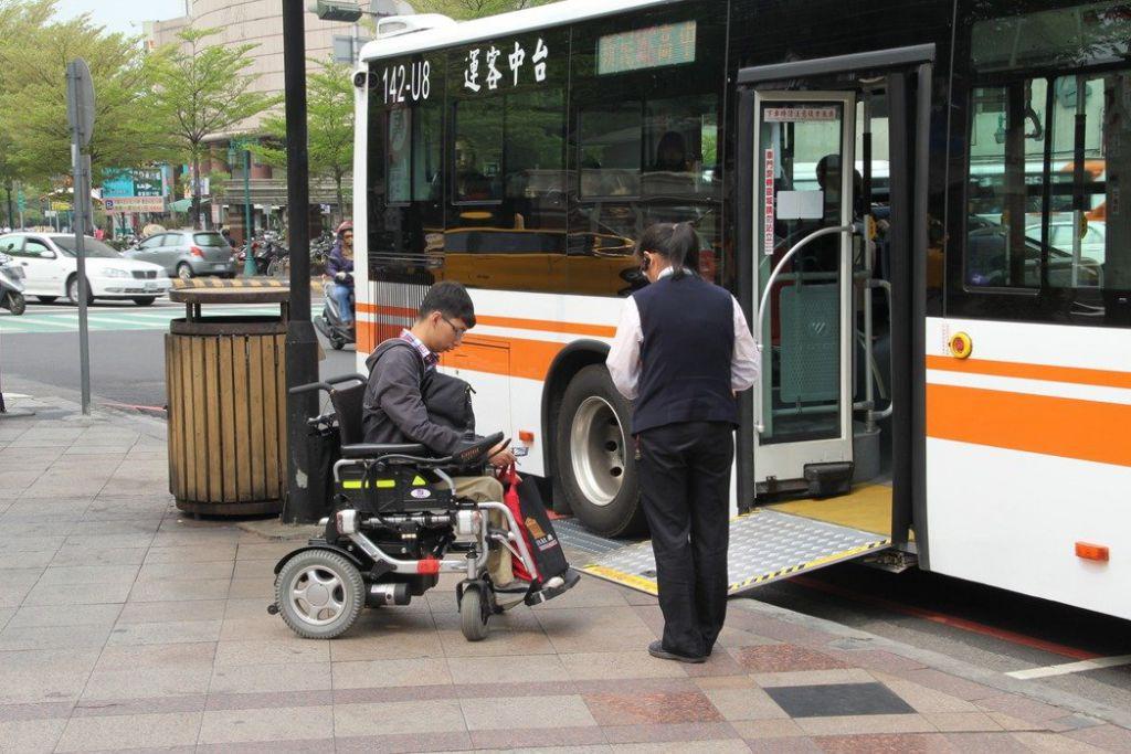 台中推健康公车 两年拚九成无障碍巴士
