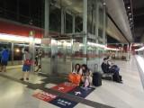 车站设有两部电梯连接不同月台及大堂 (1)