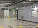 A出口連接樓梯,但另設電梯,大致適合輪椅/行動不便人士出入