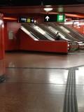 月台往升降機大堂的通道